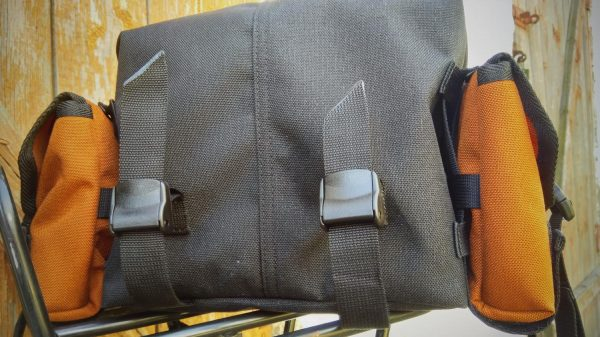 YKK buckles and side pockets